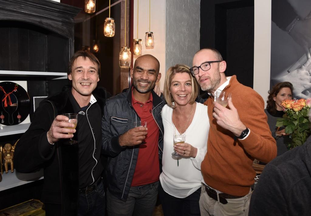 Cédric, Francky, Katleen et Bertrand ... Ils ont construit notre local.